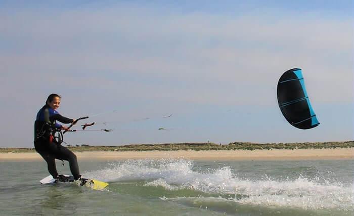 Stage d'initation au kitesurf sur les spots renommés de Quiberon, Erdeven en Bretagne Sud