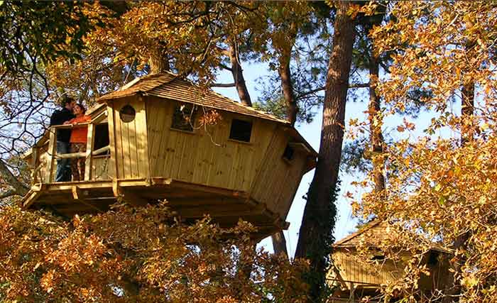 cabanes dans les arbres et h bergements pour nuit insolite en bretagne. Black Bedroom Furniture Sets. Home Design Ideas