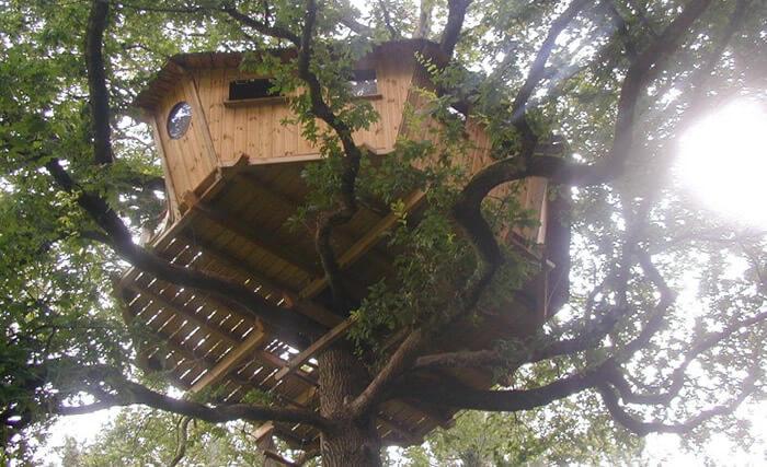 cabane dans les arbres nijal bretagne cabane insolite. Black Bedroom Furniture Sets. Home Design Ideas