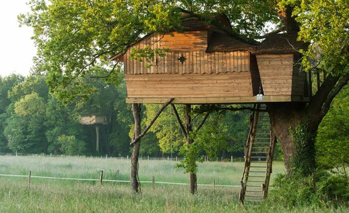 cabane dans les arbres bretagne cabane perch e morbihan dormir dans les arbres. Black Bedroom Furniture Sets. Home Design Ideas