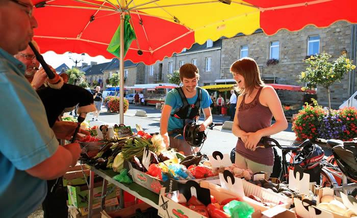 Faire le marché en Morbihan : un petit tour des saveurs bretonnes!