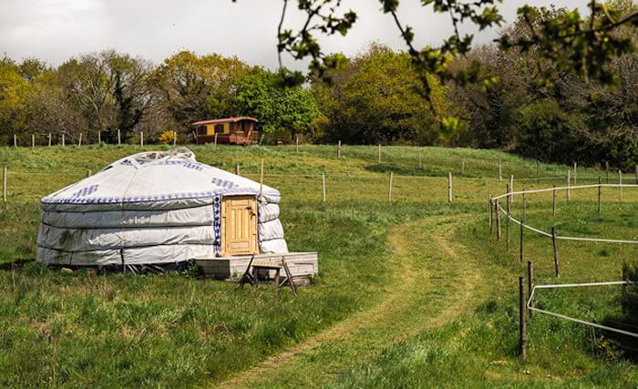 Yourte Nadaam : dormir en hébergement insolite en Bretagne sud.