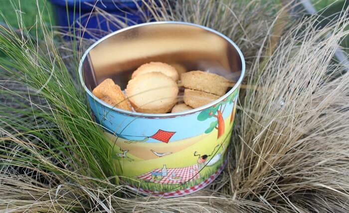 Une multitude de jolies boîtes pour ces gourmandises made in Breizh. Nous, on les aime trempés dans le thé!