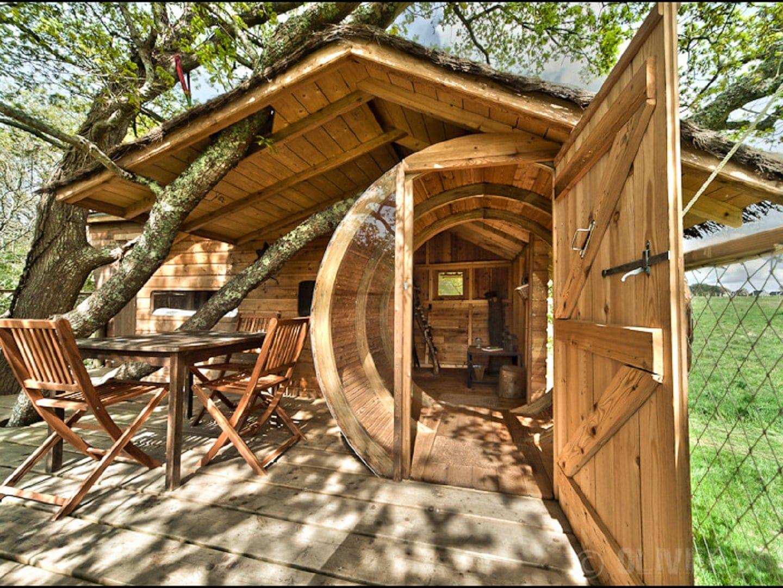 Cabane dans les arbres sterenn nuit insolite en morbihan - Chambre d hote cabane dans les arbres ...