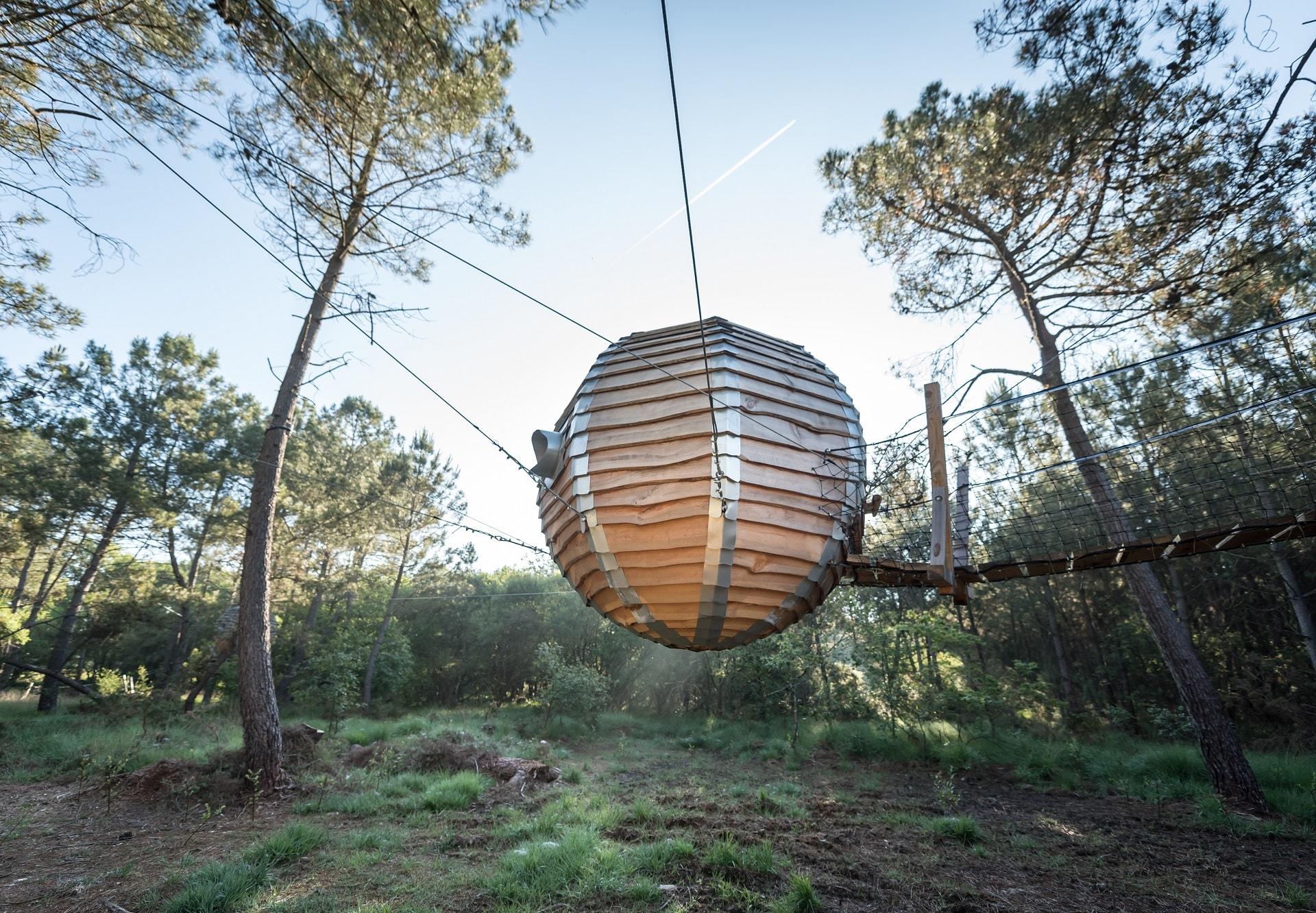 location de nid perch bretagne lov 39 nid dans les arbres. Black Bedroom Furniture Sets. Home Design Ideas