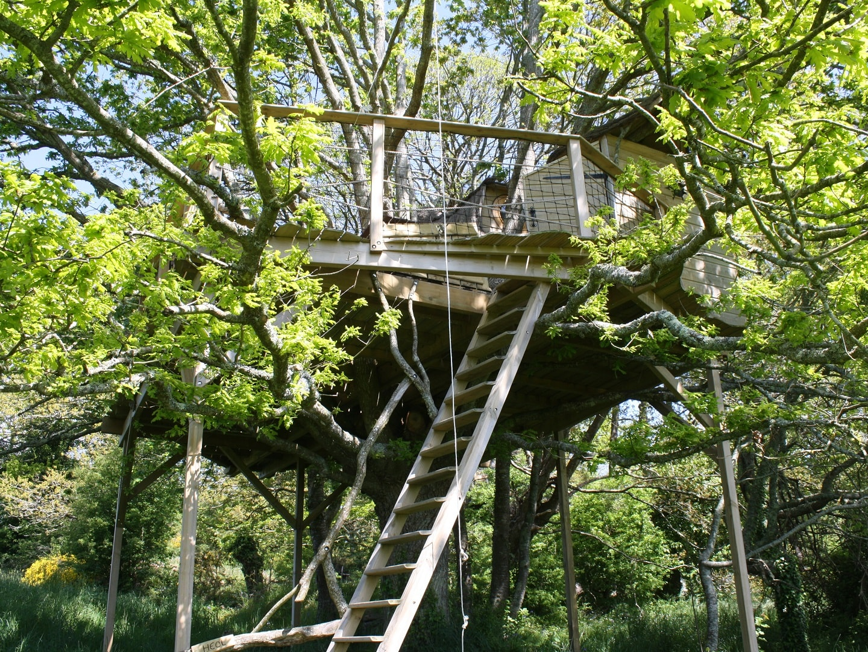 cabane dans les arbres heol bretagne carnac quiberon. Black Bedroom Furniture Sets. Home Design Ideas