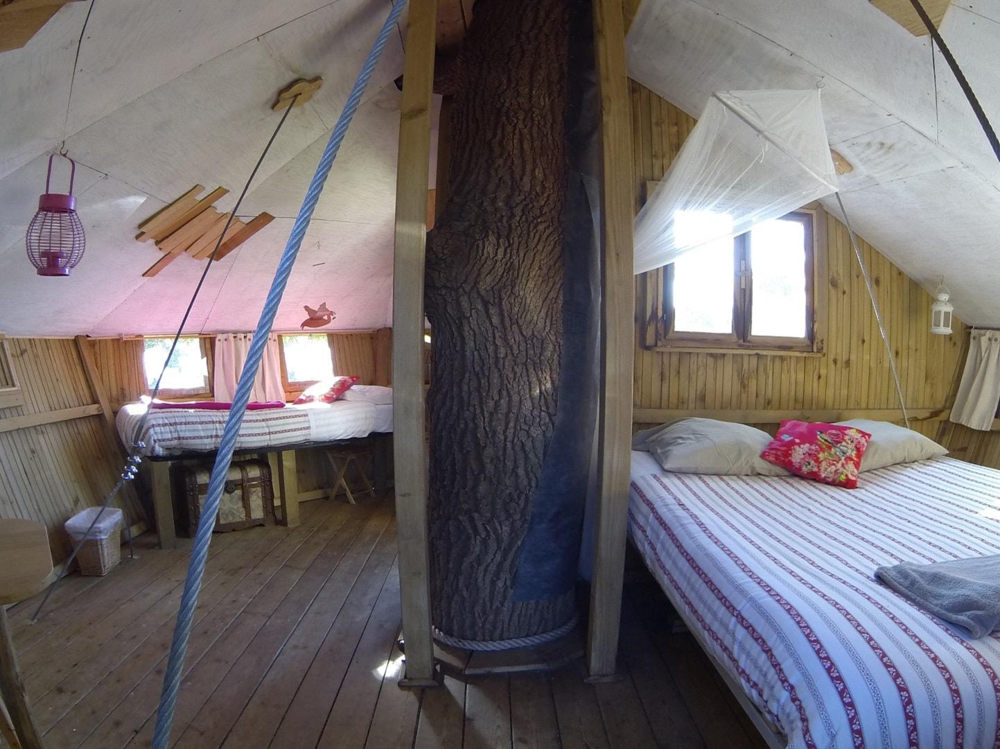 Cabane dans les arbres Morbihan - Intérieur Pradan