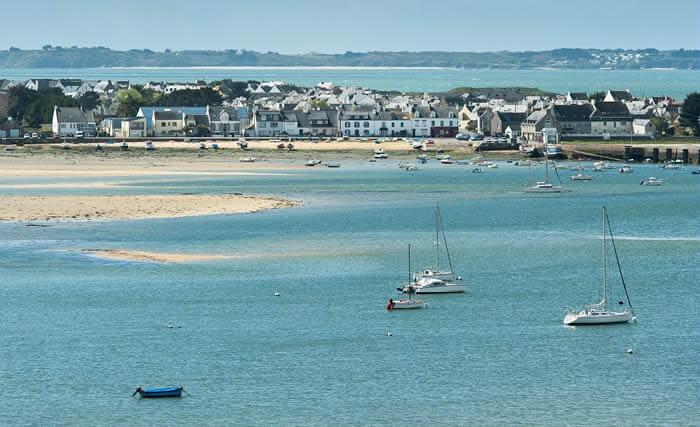 La rade Lorient et la cité de la voile à découvrir à quelques kilomètres de DIhan et ses hébergements insolites