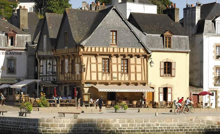 Maisons à colombages à Auray, près des hébergements insolites de Dihan, Bretagne