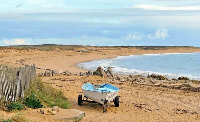 plage près de Dihan, hébergements insolites en Morbihan