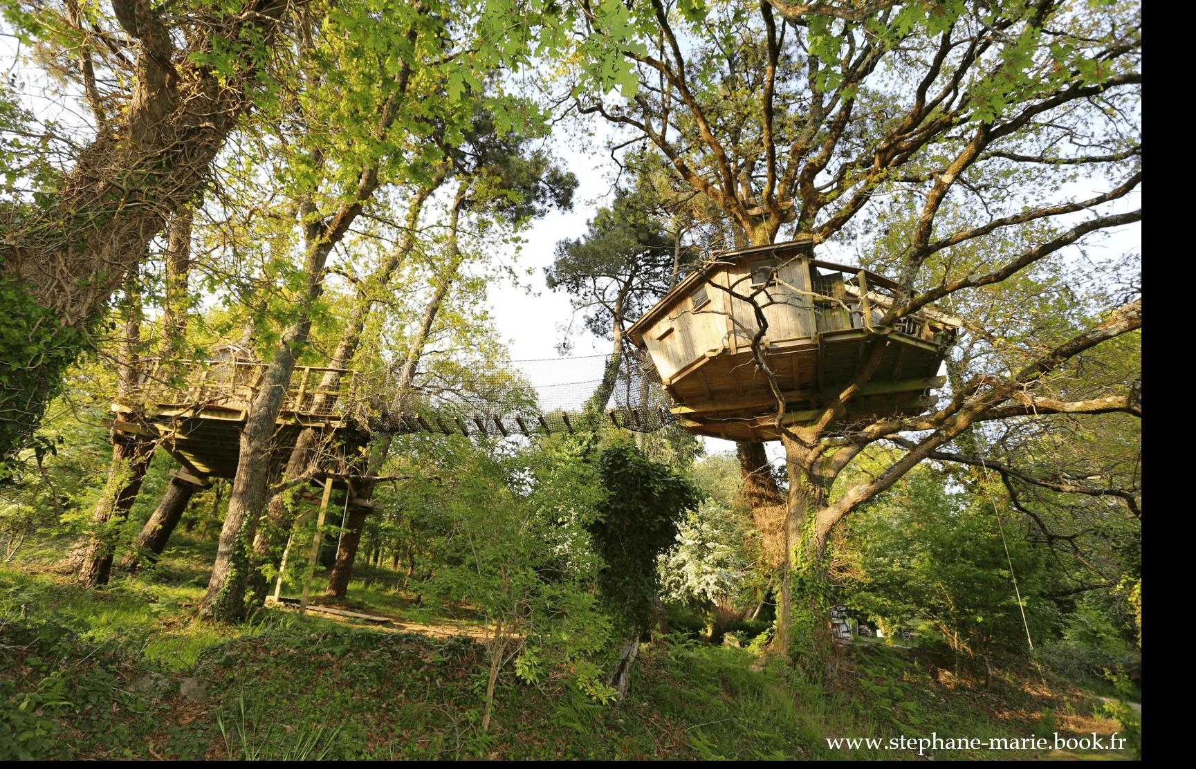 cabane dans les arbres pradan h tel perch en bretagne. Black Bedroom Furniture Sets. Home Design Ideas