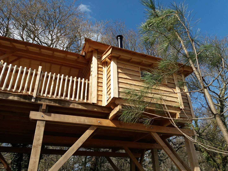 cabane dans les arbres en ty 1 cabanes dans les arbres. Black Bedroom Furniture Sets. Home Design Ideas
