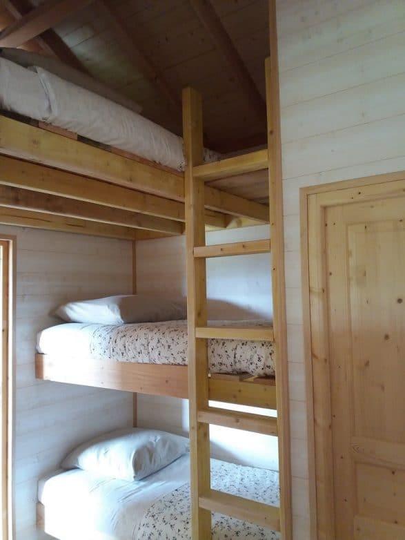 cabane dans les arbres en ty 5 cabanes dans les arbres. Black Bedroom Furniture Sets. Home Design Ideas