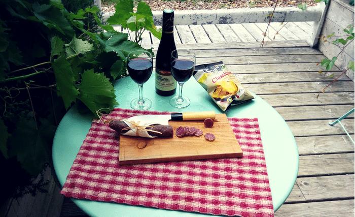 Panier apéro Dihan, vin chips et saucisson