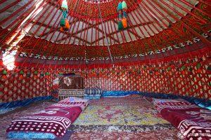 Intérieur d'une yourte kazakh